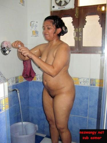 Bath Taking Naked Villagers Girls