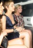 Emma Watson Desliz Oops! Se Le Suelta El Pega Pezones y Upskirt